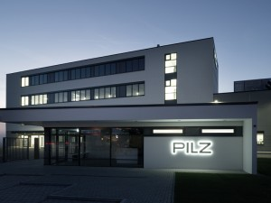 f_press_pilz_building_d_ostfildern_front_night_2243_3c_2015_09_800