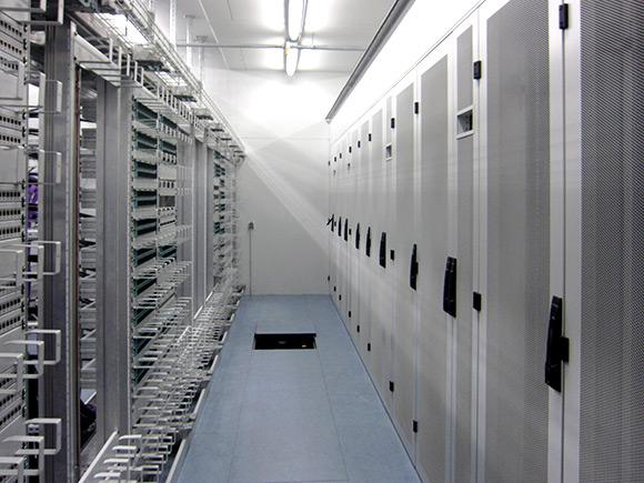 Ergiekonzept Rechenzentrum mit Absorptionskaelte, Total-Energie-Verbund, BHKW